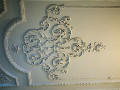 Hylands House - ceiling of the hallway outside the small dining room